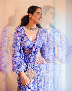 Prachi Tehlan Wiki, Bio ,Age, Hot Images,HD Latest Photos,Movies | Studymeter Full Sleeves Blouse Designs, Saree Jacket Designs, Fancy Blouse Designs, Trendy Sarees, Stylish Sarees, Indian Fashion Dresses, Indian Designer Outfits, Indian Outfits, Stylish Blouse Design