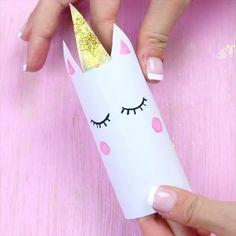 Einhorn Schachtel aus Klopapierrollen falten – DIY Geschenkverpackung