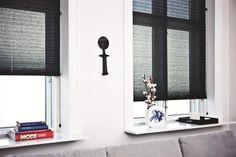 eleganckie plisy - czarne plisy - kontrastowe wnętrza