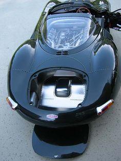 AutoArt 1:18 1967 Jaguar XJ13 diecast car