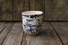 Petit café/ small coffee mug.