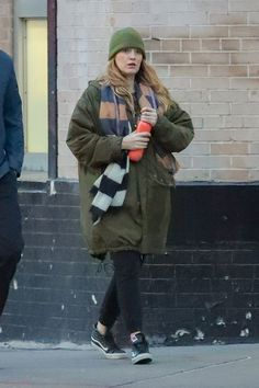 Blake Lively and Ryan Reynolds were spotted on a New York City outing, as Blake opted for a pair of leather Vans Slim High Top Sneakers. Leather High Top Vans, Leather Vans, Blake Lively Family, Blake Lively Style, Medium Hair Styles For Women, Girls Series, Ryan Reynolds, Vans Sk8, Canada Goose Jackets