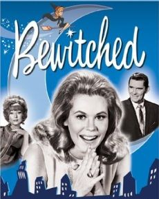 Bewitched A witch named Samantha marries a mortal named Darrin . Samantha's mother, Endora, is determined to prove to Samantha that the mixed-marriage is a tremendous mistake. Agnes Moorehead, Elizabeth Montgomery, Bewitched Tv Show, Comedy Tv, Vintage Tv, Vintage Stuff, Old Tv Shows, Hollywood Star, Classic Tv