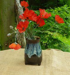 Tripod vase hand thrown stoneware