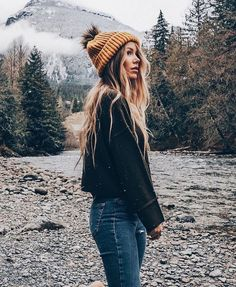 Beanie Outfit - mustard beanie hat and winter mountains Beanie Outfit, Winter Outfits For Teen Girls, Cute Winter Outfits, Camping Outfits, Travel Outfits, Camping Fashion, Mode Outfits, Casual Outfits, Fashion Outfits