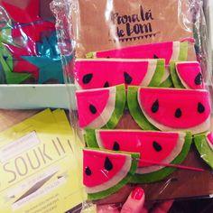 Garland de melancia é demais!  A marca @paraladebom tem opções muito fofas é de São Seba e também vende online. #colaindica