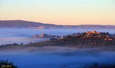 Castello di Strozzavolpe, Torre di Luco e San Gimignano sullo sfondo,,, alba !!!
