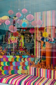 http://www.lombardipasticcieri.it/wp-content/uploads/2015/07/Vetrine_Carnevale.jpg