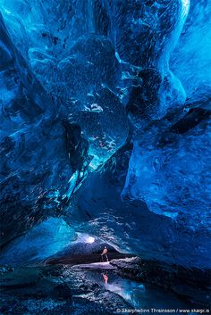 The Ice Palace, an ice cave in Iceland by Skarphéðinn Þráinsson