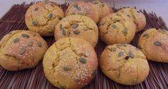 Γλυκά ψωμάκια με πουρέ κολοκύθας και ξηρούς καρπούς