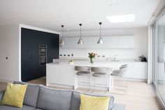 Open Plan Kitchen: Thornhill - Noel Dempsey Design Irish Kitchen Design, Outdoor Kitchen Design, Modern Kitchen Design, Interior Design Kitchen, Kitchen Seating Area, Kitchen Island Table, Seating Areas, Open Plan Kitchen, New Kitchen