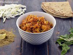 Kobi Batata Nu Shaak , Aloo Patta Gobhi recipe, Cabbage Potato Vegetable Cabbage And Potatoes, Cubed Potatoes, Potato Vegetable, Vegetable Recipes, Gujarati Recipes, Indian Food Recipes, Coriander Powder, Tex Mex