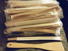 Wooden spoon + set of chop stock