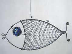Wire Sculpting | Cobalt Eyed Wire Fish Sculpture by MyWireArt