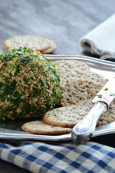 Date, Walnut, & Blue Cheese Ball Recipe #appetizer