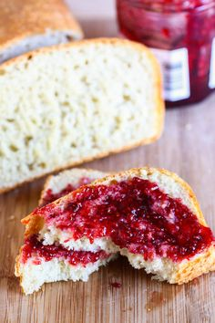 English Muffin Bread - Eat, Live, Run - Samantha Danielle Bread Recipes Breakfast And Brunch, Breakfast Recipes, Cooking Bread, Bread Baking, Bread Food, Scones, English Muffin Bread, English Muffins, Marzipan