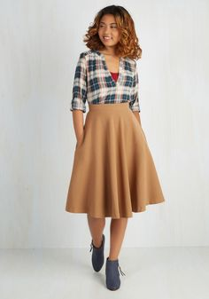 Field Notable Skirt. Accepting your anthropology departments award for outstanding scholarship, you remove your hands from the lined pockets of this brown skirt and shake hands with your professor. #tan #modcloth