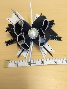 Hey, I found this really awesome Etsy listing at https://www.etsy.com/listing/204584823/fancy-black-white-stacked-boutique-hair