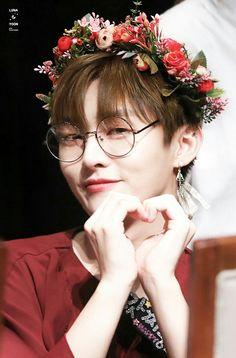 Wanna-One - Yoon Jisung Miss U So Much, I Miss U, Produce 101, Mommys Boy, All About Kpop, Kim Jaehwan, Ha Sungwoon, My Destiny, Second Season