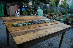 gartenmöbel gartentisch selber bauen pflanzen integrieren