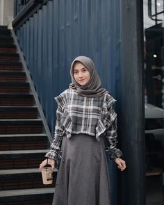 Style Hijab Casual Cream Ideas - You are in the right place about fashioni. Style Hijab Casual Cream Ideas – You are in the right place about fashioni… Style Hijab Modern Hijab Fashion, Street Hijab Fashion, Muslim Fashion, Skirt Fashion, Trendy Fashion, Fashion Outfits, Fashion Muslimah, Trendy Style, Style Fashion