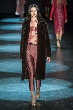 Pin for Later: The 10 Most Wearable Trends For Fall '16  Monique Lhuillier