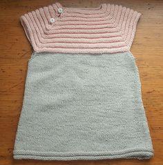 e600bc50ebbc 66 meilleures images du tableau Tricot bébé robes et tuniques ...