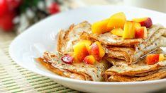 Palacinky s broskyňami a škoricovým sirupom   Recepty.sk Peach Pancakes, Vegetarian Recipes, Cooking Recipes, Healthy Recipes, My Favorite Food, Favorite Recipes, Peach Salsa