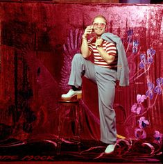 twixnmix: Elton John and Bernie Taupin pose for a portraits. twixnmix: Elton John and Bernie Taupin pose for a portraits. 70s Aesthetic, Aesthetic Collage, Elton John Costume, Elton Jon, Bernie Taupin, Captain Fantastic, Comme Des Garcons, Shows, Glam Rock