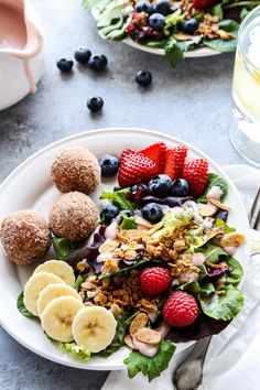 Salad for breakfast? This Breakfast Salad with Berry Yogurt Dressing is a fresh and delicious way to start your day. Breakfast Salad, Best Breakfast, Breakfast Bites, Breakfast Healthy, Healthy Breakfasts, Brunch Recipes, Breakfast Recipes, Brunch Ideas, Gourmet Breakfast