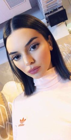 It's reliable advice that often Kendall Jenner has quickly tested herself to be a supermodel-in-the-making. Kendalll Jenner, Kylie Jenner Fotos, Kendall Jenner Makeup, Kendall Jenner Hairstyles, Kendall Jenner Short Hair, Kendall Jenner Outfits Casual, Kendall And Kylie Jenner, Kendal Jenner Hair, Kendall Jenner Adidas