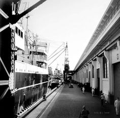Pier Manila, Philippines, SS President Van Buren at dock, June 1935 Philippine Architecture, Ancient Greek Architecture, Gothic Architecture, Philippine Holidays, Manila Philippines, University Of Wisconsin, Grand Mosque, Mayan Ruins, Vietnam Travel