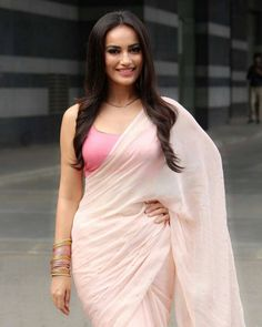 Picture # 64421 of Surbhi Jyoti with high quality pics,images,pictures and photos. Simple Sarees, Trendy Sarees, Stylish Sarees, Fancy Sarees, Saree Wearing Styles, Saree Styles, Saris, Indian Dresses, Indian Outfits