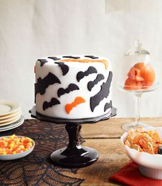 Halloween Bat Fondant Cake Pictures, Photos, and Images for Facebook, Tumblr, Pinterest, and Twitter