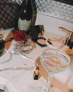 but the partys just beginning Mood Passion & Glamour // Style Icons // Old Hollywood // Pure Seduction // Estate Vintage Antique Fine Jewelry // Artifact Adornment