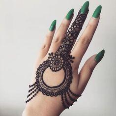 Pretty Henna Designs, Finger Henna Designs, Indian Mehndi Designs, Latest Bridal Mehndi Designs, Full Hand Mehndi Designs, Stylish Mehndi Designs, Mehndi Designs For Beginners, Mehndi Design Photos, Mehndi Designs For Fingers