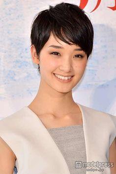 Ayame Gouriki / 剛力彩芽 - 恋愛感情のない壁ドンも「ドキドキした」