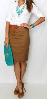 Love the combination on this outfit for the office. Turquoise accessories, pencil skirt, and white shirt. It makes a great summer outfit for the office.