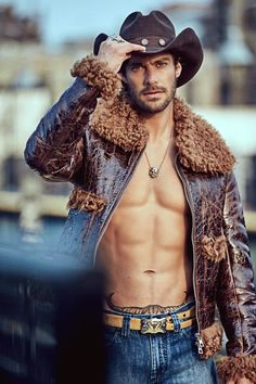 Gonçalo Teixeira steps up his style game in a bold western-inspired story. The current face of Avon Musk Marine, Gonçalo links up with photographer Santiago Bisso. Bringing to mind the 1969 film Midnight Cowboy, Cowboys Men, Country Men, Sexy Shirts, Michael Kors Collection, Actor Model, Swagg, Gorgeous Men, Male Models, Top Models