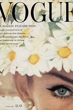 57 covers Vogue UK June by David Bailey. Vogue UK September and October by David Bailey. Vogue New Zealand Summer Vogue UK March by David Bailey. Vogue US April 1 and April 15 Vogue Paris April by Henry Clarke. Vogue UK May by William Klein. Vogue Vintage, Vintage Vogue Covers, Vintage Fashion, Jean Shrimpton, Foto Fashion, Fashion History, Trendy Fashion, Mode Collage, Mode Poster