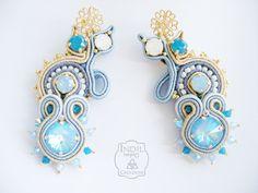 Designed by Indil Creazioni #soutache #earrings #blue #blue opal #white opal https://www.facebook.com/indilatelier
