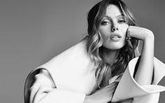 Frida Gustavsson, Swedish top model, portrait, monochrome, beautiful woman