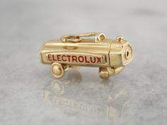 Electrolux Vintage Charm vide ou un pendentif ouvre par MSJewelers