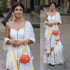 Shilpa shetty kundra for Sonam kapoor Sangeet ceremony African Traditional Dresses, Indian Dresses, Indian Outfits, Indian Clothes, Top Female Fitness Models, Sonam Kapoor Wedding, Sangeet Outfit, Desi Wear, Indian Designer Outfits