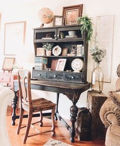 Welcome to our week of ✨ . We are so excited to announce our feature this week is Lindsay Home Decor Furniture, Furniture Makeover, Painted Furniture, Refinished Furniture, Flex Room, Living Room Shelves, Antique Cabinets, Shabby, Interior Decorating
