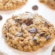 Une recette de cookies aux flocons d'avoine et ses pépites de chocolat. A apprécier en famille ou entres amis.