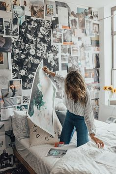 Here are some doable living room decor and interior design tips that will make your home cozy and comfortable for family and friends. Retro Home Decor, Home Decor Styles, Home Decor Accessories, Diy Home Decor, Cheap Dorm Decor, Dorm Decorations, Mediterranean Decor, My New Room, Room Decor Bedroom