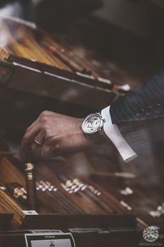 Arnold & Son DBS x Cigars from Sautter on Mount Street.More of our footage at WatchAnish.com.