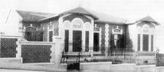 Início século 20 - Casas geminadas para filhas de Ramos de Azevedo. Ao lado da casa dele na rua Pirapitingui, 111, no bairro da Liberdade.