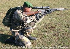 Legionnaire sniper Military Units, Military Gear, Military History, French Armed Forces, French Foreign Legion, French Army, Action Poses, Special Forces, Troops